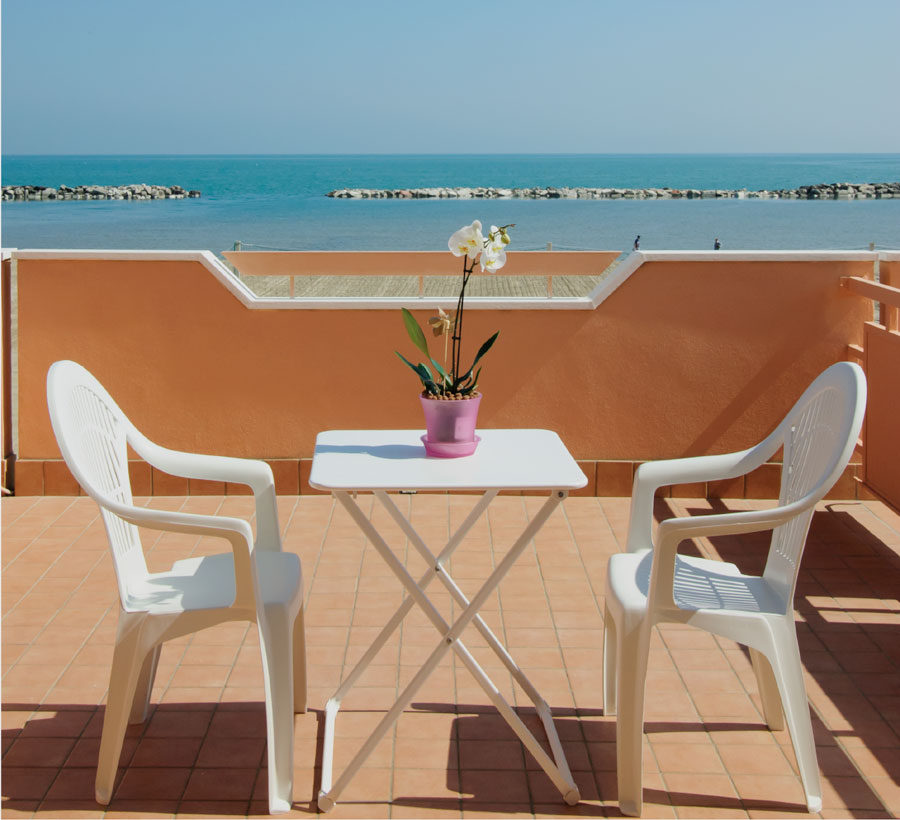 Hotel tre stelle direttamente sul mare a Viserbella