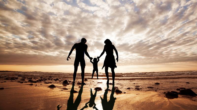 Offerta vacanza per famiglie a luglio a Rimini in hotel direttamente sul mare