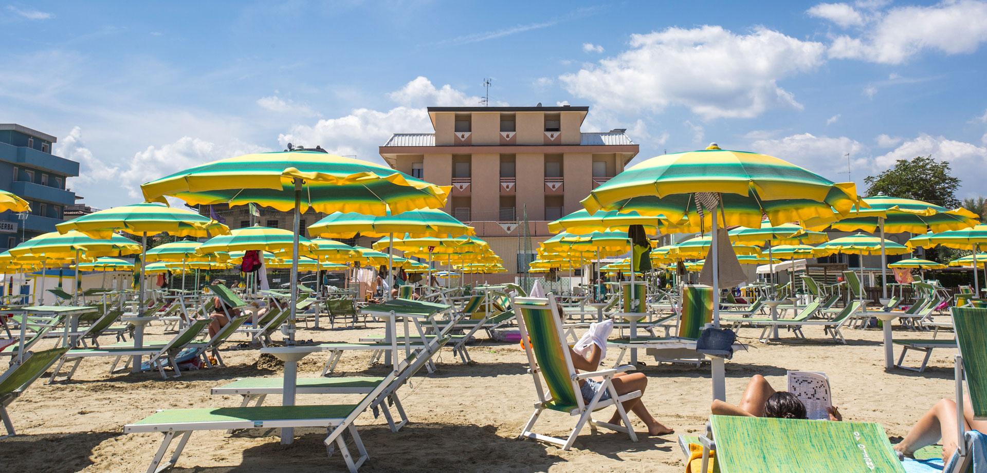 Offerta Vacanza al mare di Rimini dal 11 luglio al 8 agosto 2020 all'hotel Eden direttamente sulla spiaggia